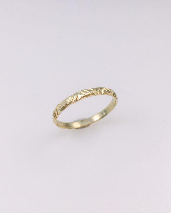 Mara & Villosa ring gravure duurzaam goud